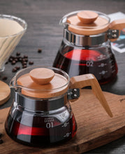 Load image into Gallery viewer, Coffee Server Size 01 and 02 - Wooden Handle and Lid