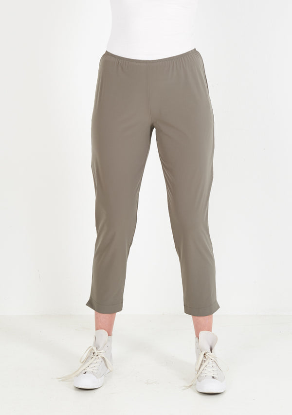 Stretch Pants slim, three-quarter, fango