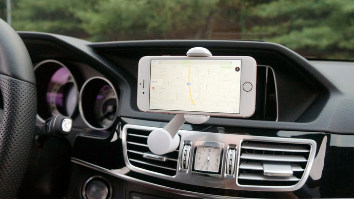 Reikel 360° smartphone stand in cars - anlander.com | English
