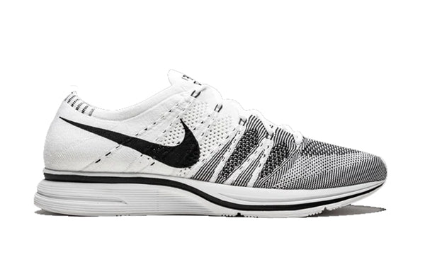 "Flyknit Trainer ""White/Black"""