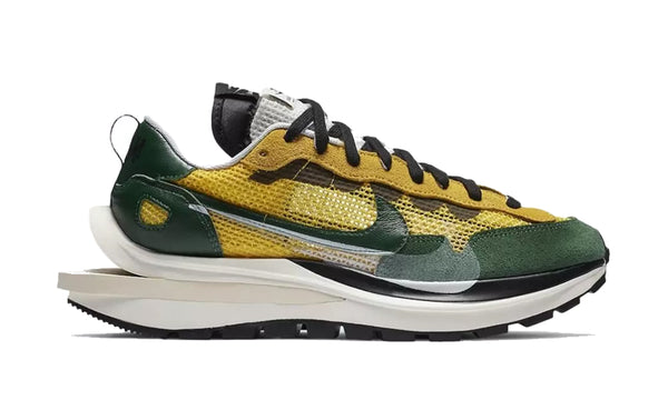 "Nike x Sacai VaporWaffle ""Tour Yellow/Stadium Green"""