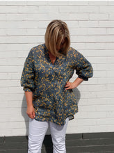 Load image into Gallery viewer, Style Arc Kent Tunic - sizes 4 to 16
