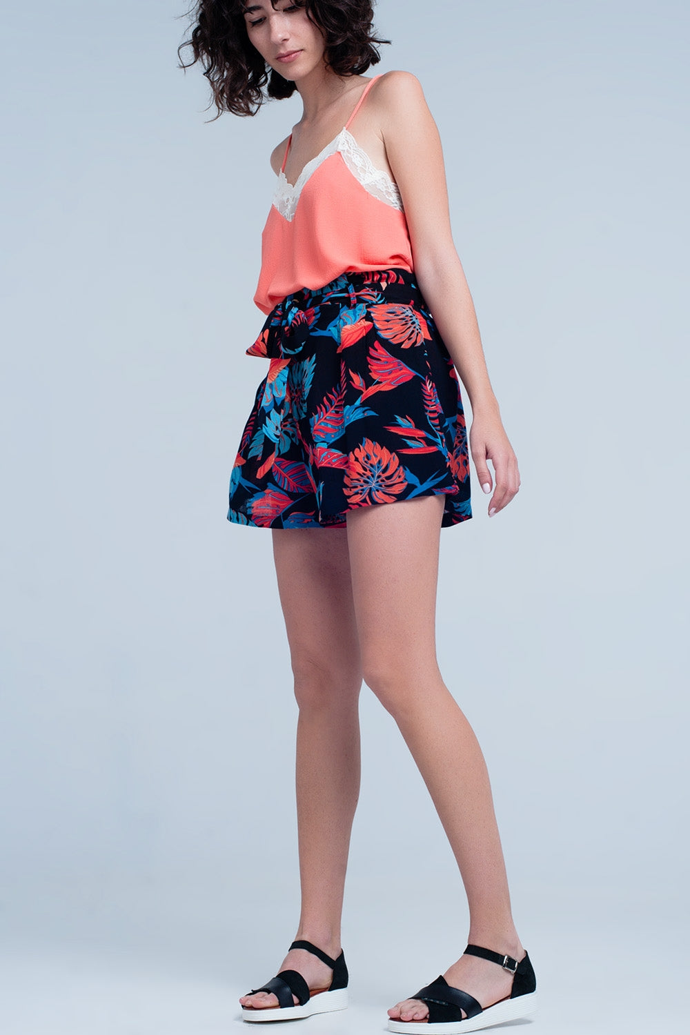 Floral Shorts With Waist Tie In Black