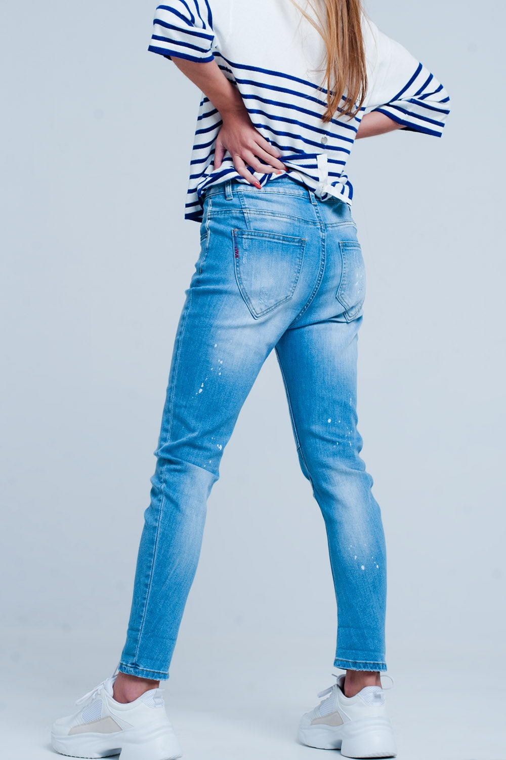 Mid Rise Boyfriend Jeans In Acid Wash