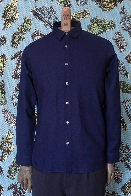 Addeertz Classic fit shirt made in an indigo light yet substantial fabric for summer