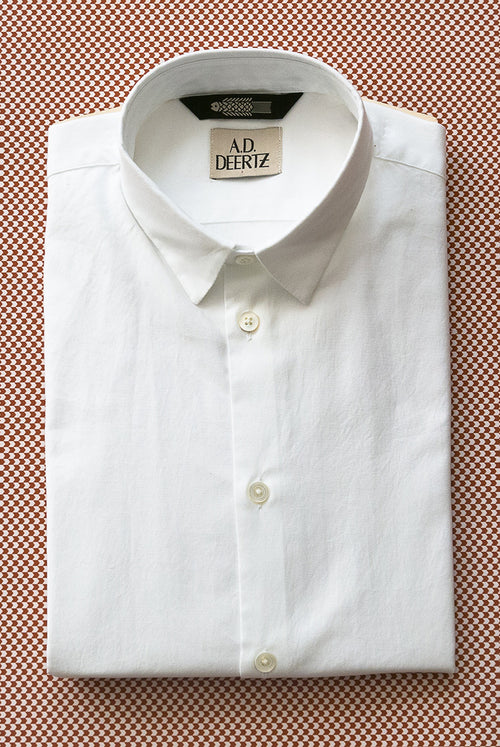 Classic fit shirt made from a special oxford weave white fabric