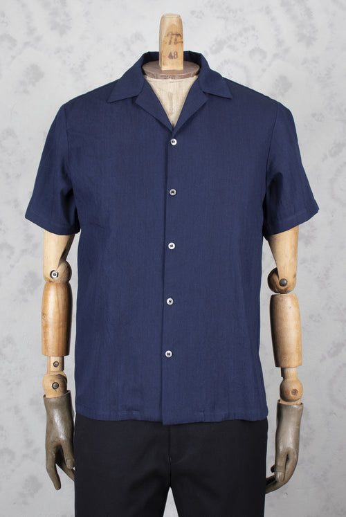 Short sleeve shirt with spread collar in a thin indigo cotton