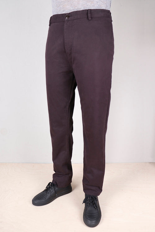 addeertz Tapered fit pants Front pockets crafted into the side seam Zip fly and corozo nut buttons Brushed dark navy cotton twill fabric detail