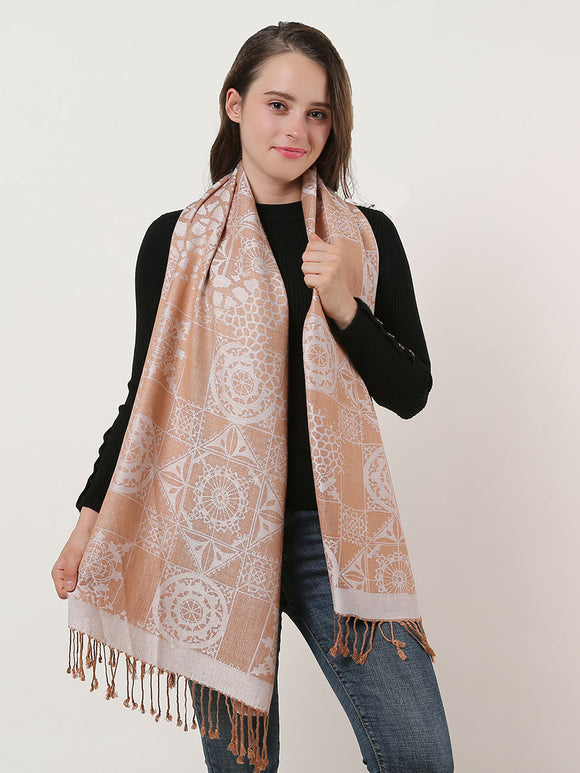 Woman's White Shawl Scarf Wrap Soft Warm Winter Retro Pattern Scarves Tassels