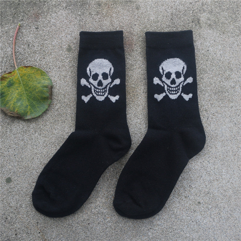 1 pairs/lot Hot 2017 New Cotton Material Skull Pattern men and Women's Socks Cool Casual Socks Meias unisex free Shipping-geekbuyig