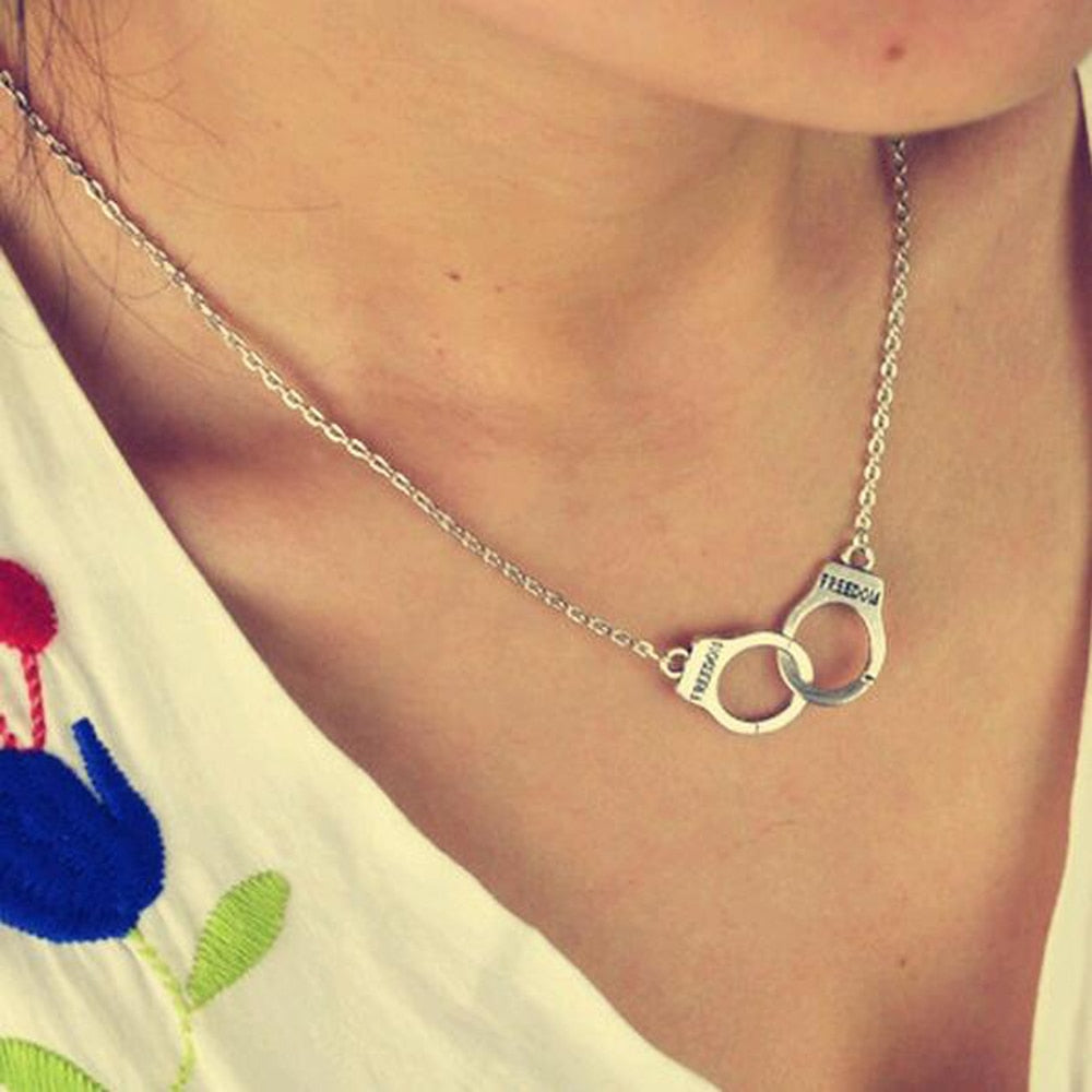 FAMSHIN New jewelry handcuffs necklace pendant necklace women / girl lover valentine's day gifts-geekbuyig