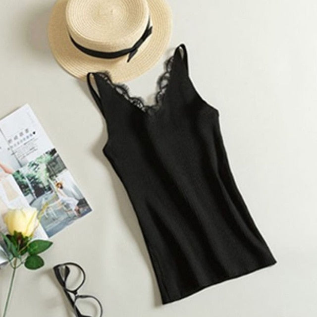 2018 Spring New Hook Flower Lace Solid Stitching V-neck Camis Female Knitted Short Section Slim Outer Wear Shirt Trend Tank Tops-geekbuyig