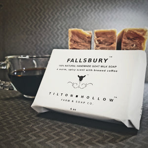 Fallsbury - A warm, spicy, scent with  brewed coffee.