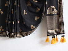 Load image into Gallery viewer, SAREE -Gold Foil Printed Black Saree