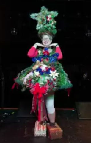 diy-christmas-tree-outfit-contest-winner