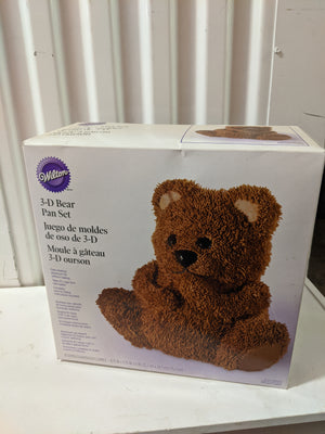 3-D Bear Pan Set