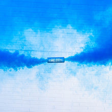 Load image into Gallery viewer, blue dual vent smoke bomb burst