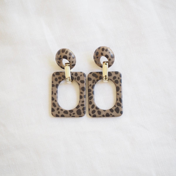 Leo Earring - Taupe