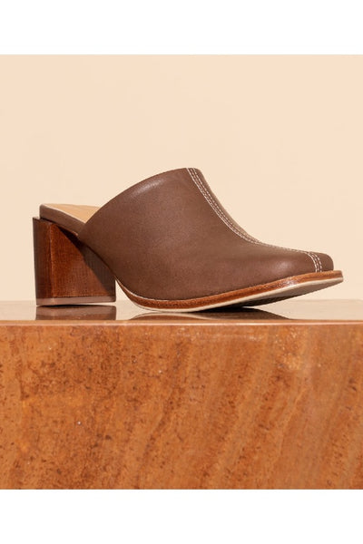 JAMES SMITH MILANESE LEATHER MULE