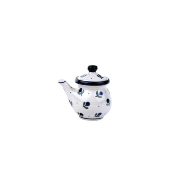 C25 Small Covered Jug