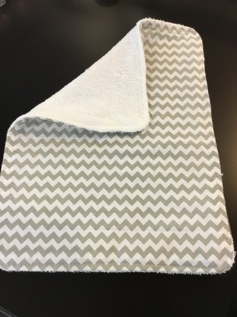 Trend Lab Burp Cloth - Gray Chevron