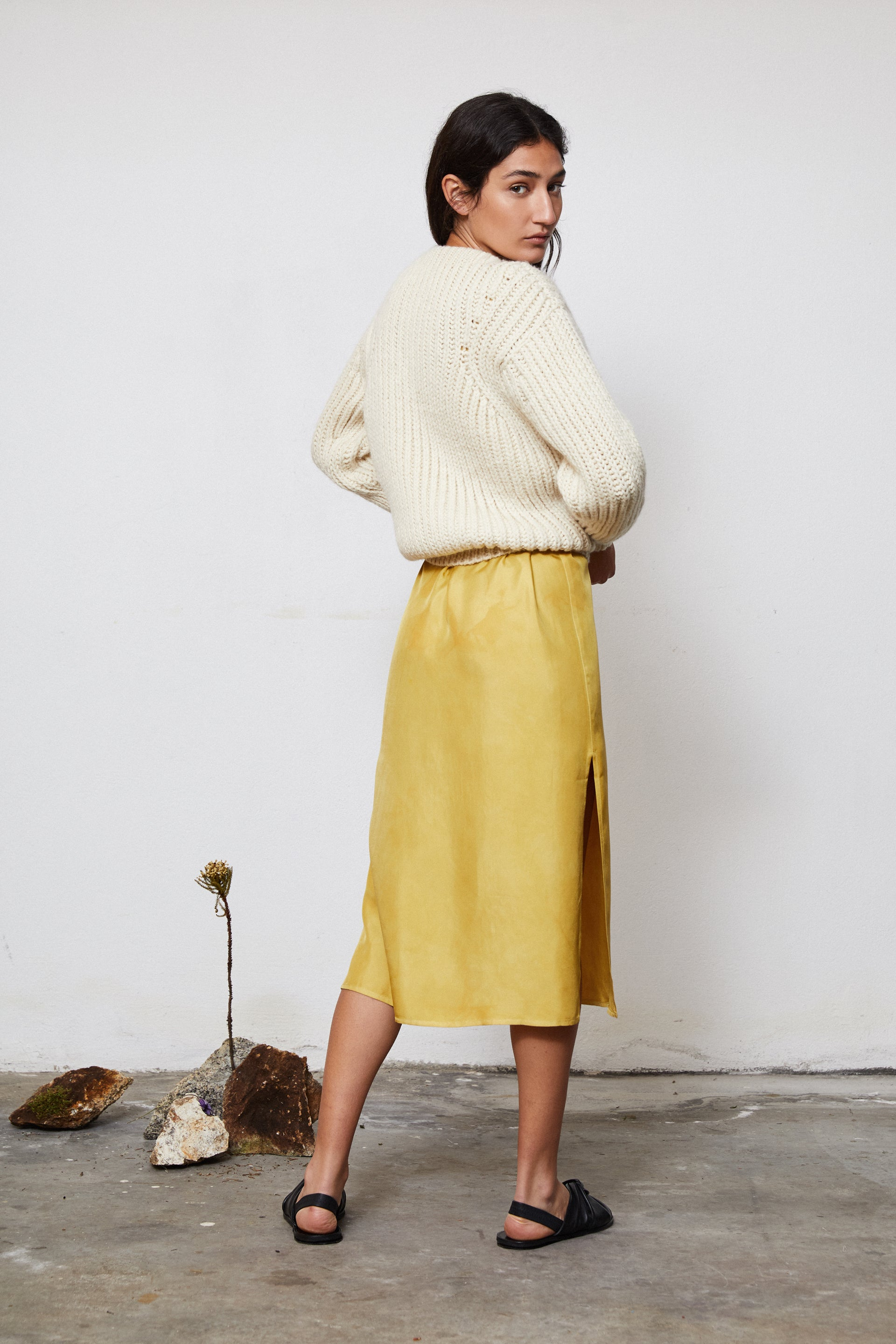 HAND KNITTED WOOL JUMPER - IVORY