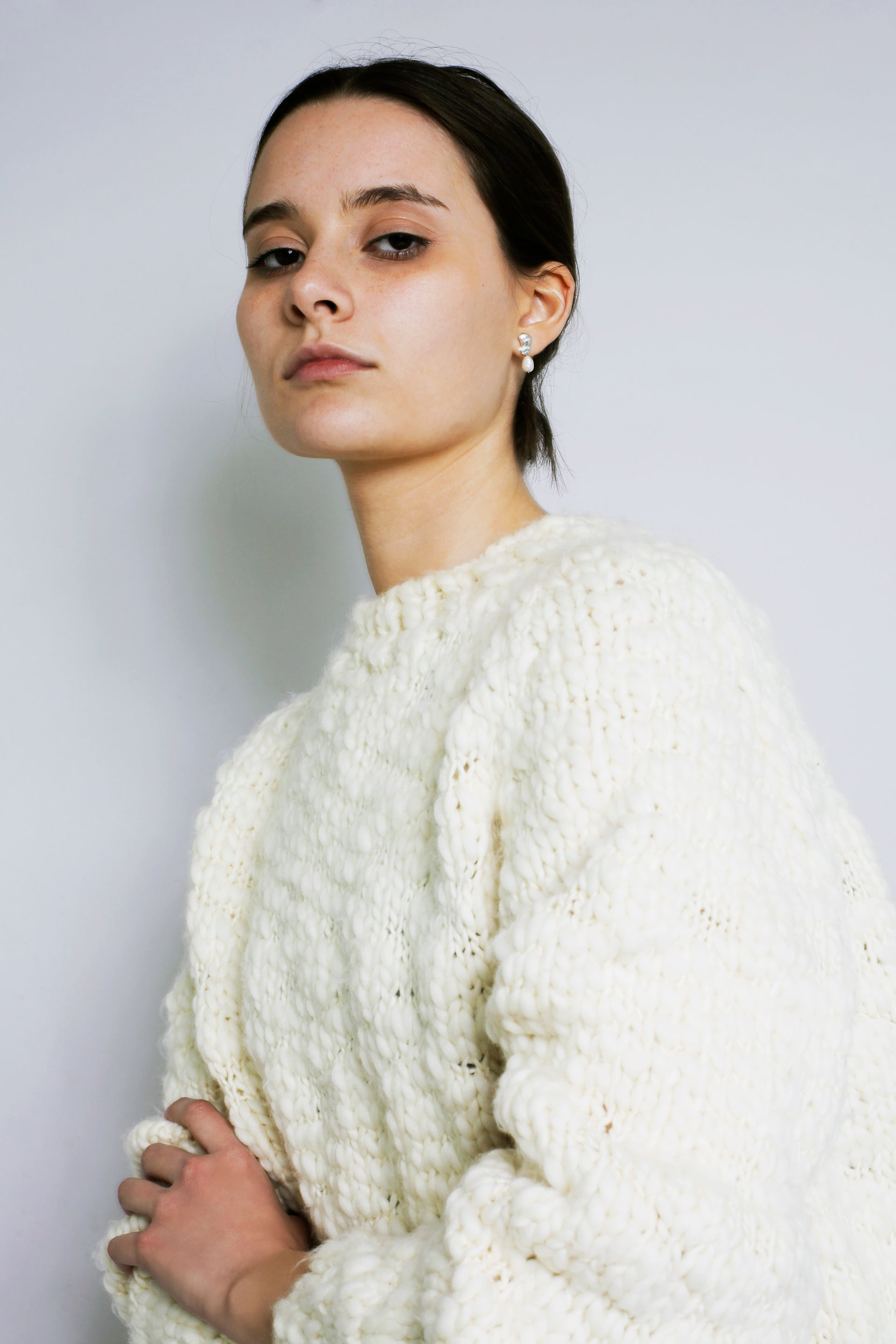HAND KNITTED CAVEN WOOL JUMPER - IVORY