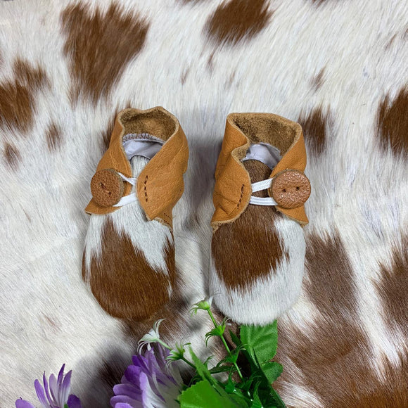 The Design Edge Baby Booties Tan & White Hairon