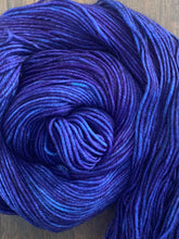 Load image into Gallery viewer, Blue Velvet- Essential DK