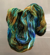 Load image into Gallery viewer, Labradorite- Essential DK