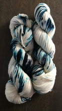 Load image into Gallery viewer, Slither- Merino Wool Essential Dk yarn