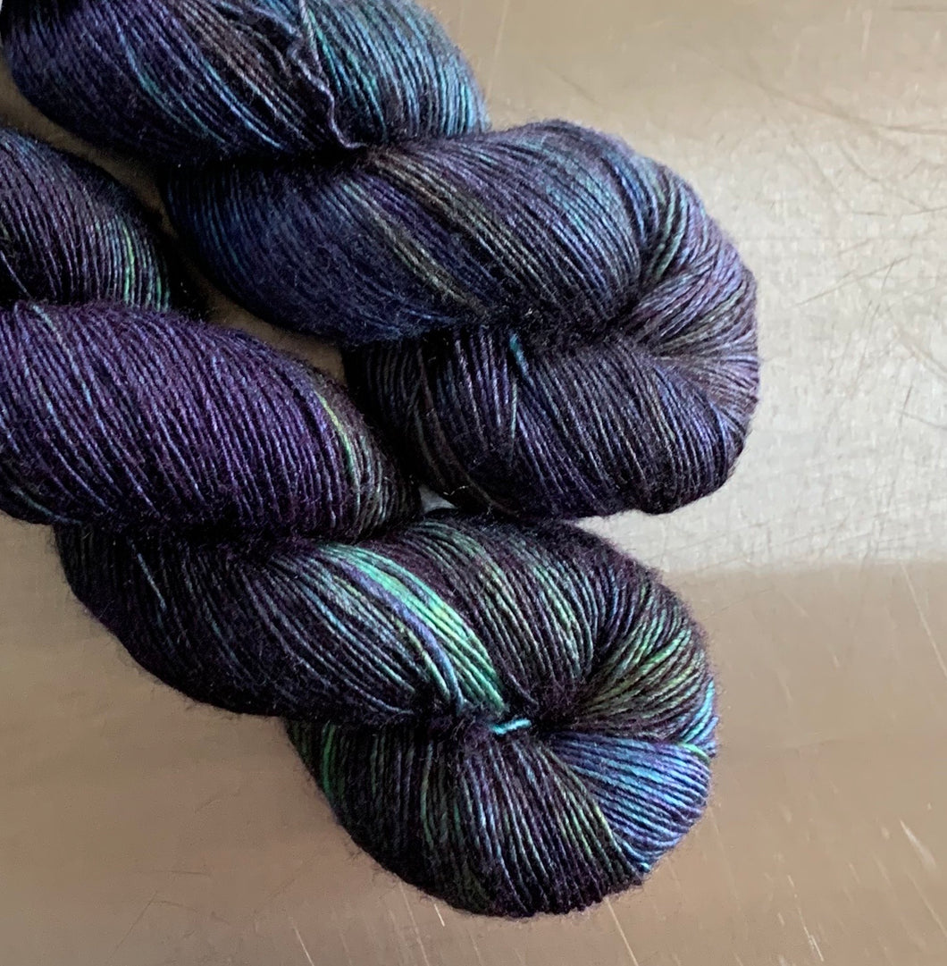 Labradorite- Sirtir Single-Ply Fingering Yarn