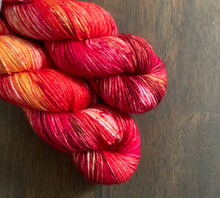 Load image into Gallery viewer, Screamin' Peach- Essential DK Yarn