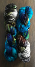 Load image into Gallery viewer, Morpho-  Merino Wool Essential Dk yarn