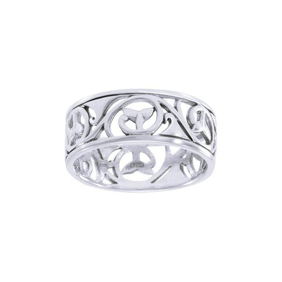 Whale Tail Breach Sterling Silver Ring TRI041