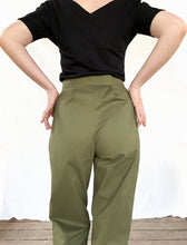 Load image into Gallery viewer, High waist Trousers with scalloped pockets - Olive Green