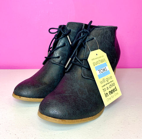 TOMS NEW LUNATA LACE UP BOOTIES - 9.5