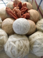 DIY Sheep Crafts | How to Make Felted Wool Dryer Balls | diysheepcrafts.com
