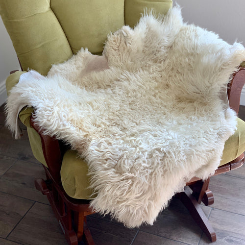 Icelandic Shearling Sheepskin a - white 33 x 23 inches