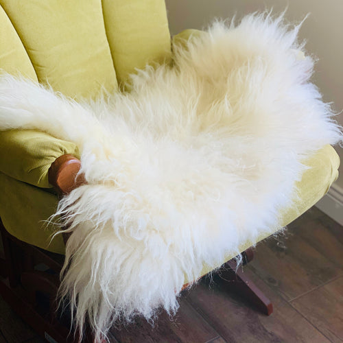 Icelandic Sheepskin - white lambskin 26 x 19 inches
