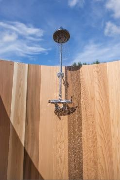 Dundalk Outdoor Barrel shower