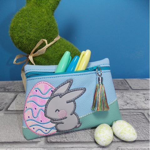 DIGITAL DOWNLOAD Doodle Easter Bunny Applique Zipper Bag Lined and Unlined