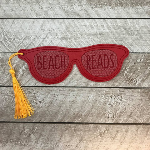 DIGITAL DOWNLOAD 5x7 Beach Reads Bookmark ITH Embroidery Design