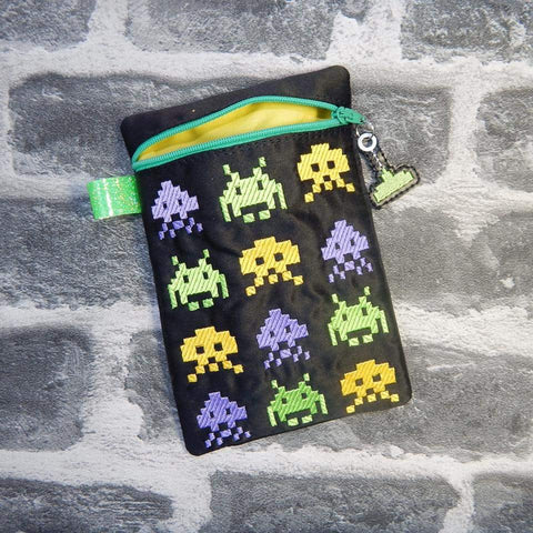 DIGITAL DOWNLOAD ITH Retro Gamer Invaders Bag Lined and Unlined Includes Charm