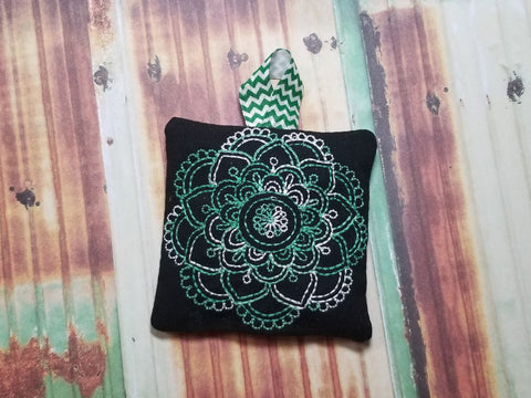 DIGITAL DOWNLOAD 4x4 ITH Mandala Sachet Plushie