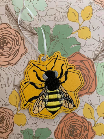 4x4 DIGITAL DOWNLOAD Honey Bee Ornament