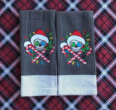 DIGITAL DOWNLOAD 4 Sizes Holiday Skull Embroidery Design