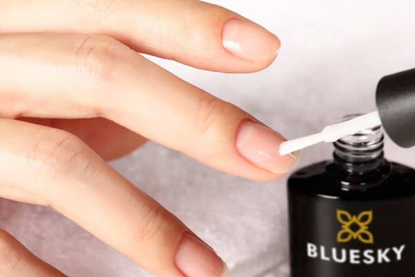 How to use Hard Gel to strengthen your nails