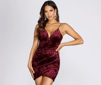 V-neck Plunging Neck Short Sleeveless Spaghetti Strap Velvet Dress
