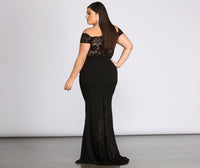 Plus Size Illusion Short Sleeves Sleeves Off the Shoulder Floor Length Dress